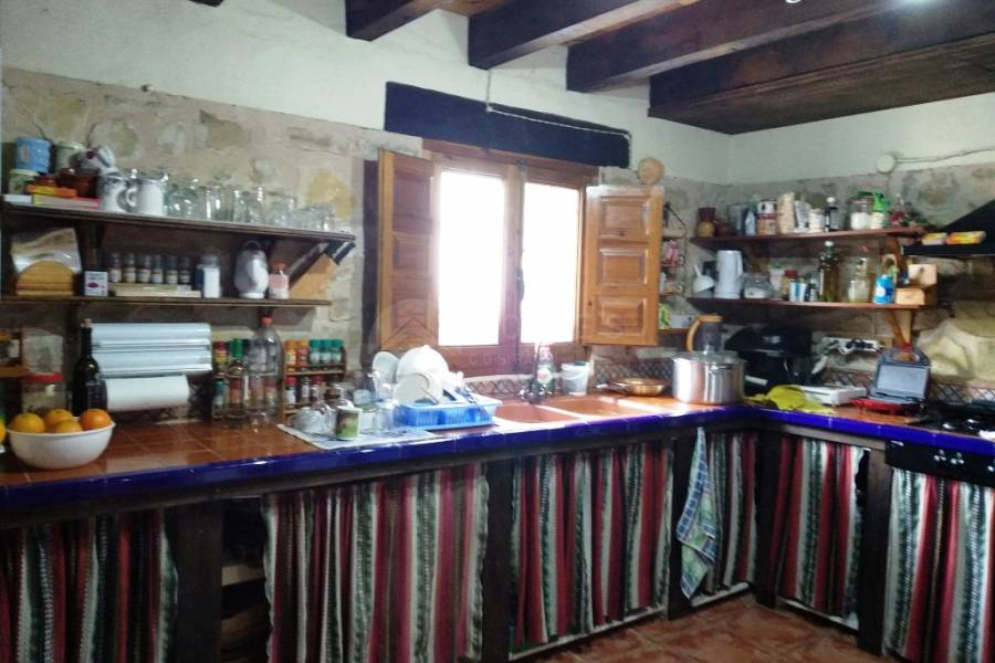 Resale - Country House - Penáguila