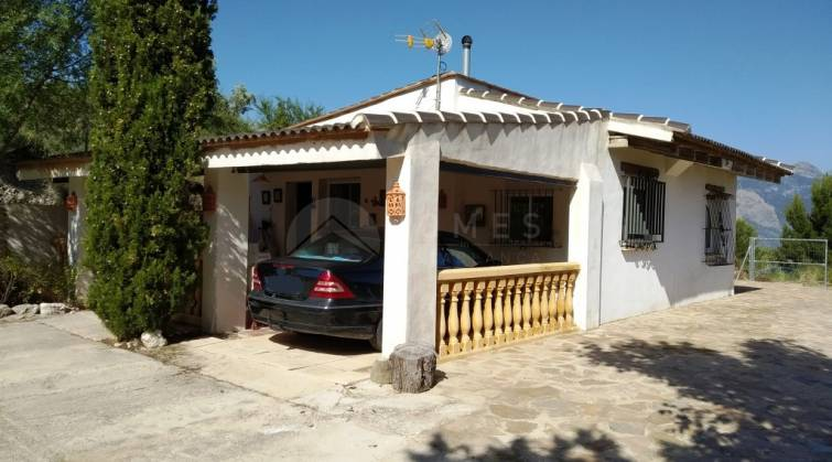 Country House - For sale - Millena - Millena